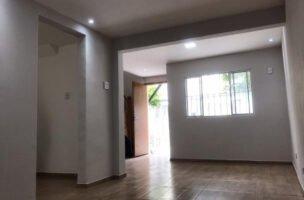 Casa a Venda no bairro Orquidário em Santos – SP. 2 banheiros