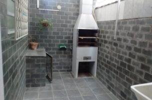 Sobrado a Venda no bairro Boqueirão em Santos – SP. 2 banheiros