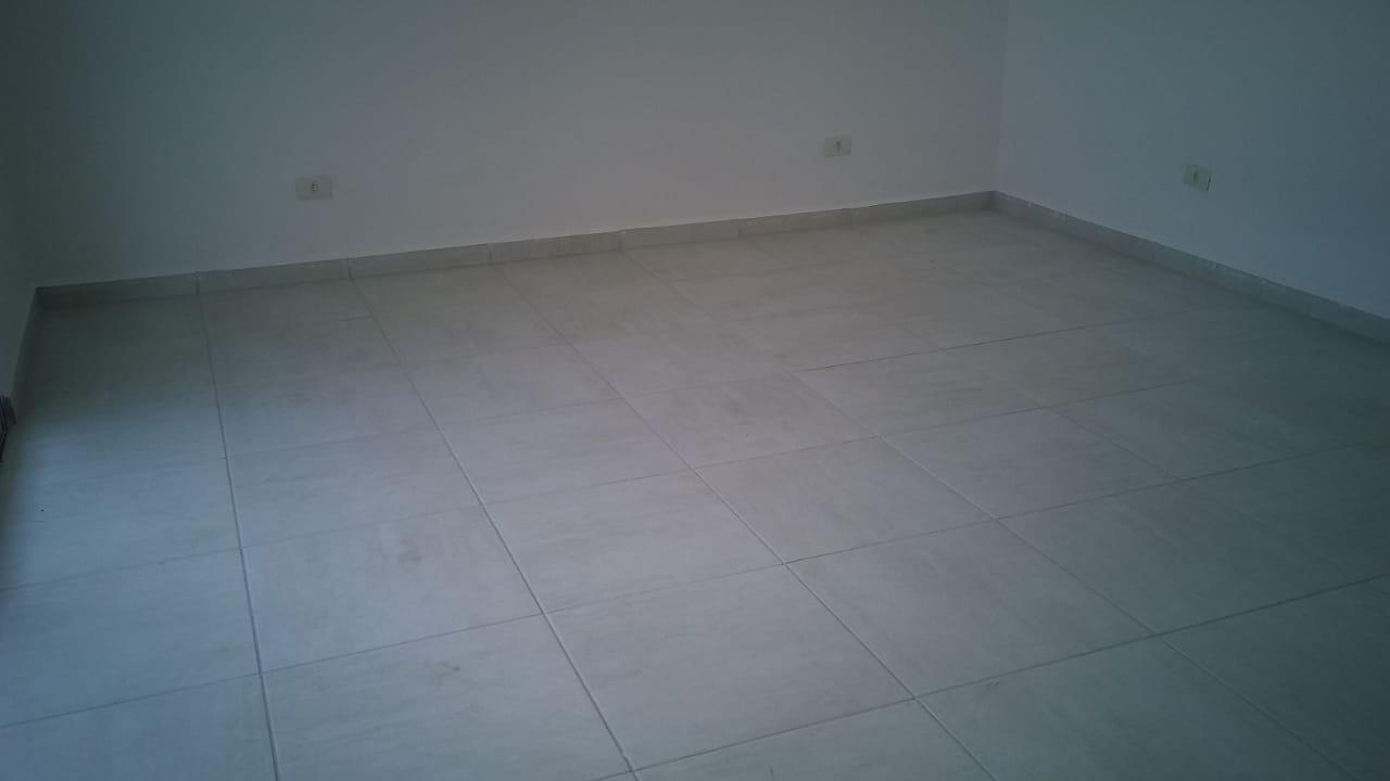 Lindo Sobrado novo entre canal 4 e canal 5sendo 2 Suites com ampla varanda e garagem fechada com amplo quintal . - foto 27