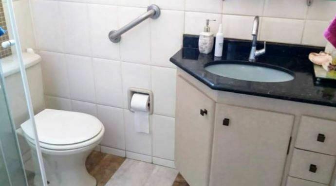 Imóvel arejado e claro,lindo apartamento 2 dormitórios, 1 suíte, lavabo, cozinha e área de serviço - foto 4