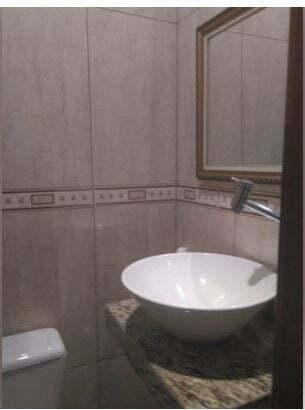 Imóvel arejado e claro,lindo apartamento 2 dormitórios, 1 suíte, lavabo, cozinha e área de serviço - foto 6