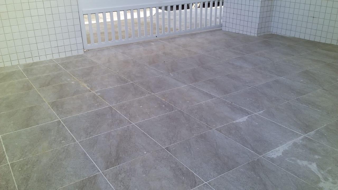 Lindo Sobrado novo entre canal 4 e canal 5sendo 2 Suites com ampla varanda e garagem fechada com amplo quintal . - foto 31