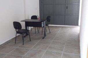 Lindo Sobrado novo entre canal 4 e canal 5sendo 2 Suites com ampla varanda e garagem fechada com amplo quintal .