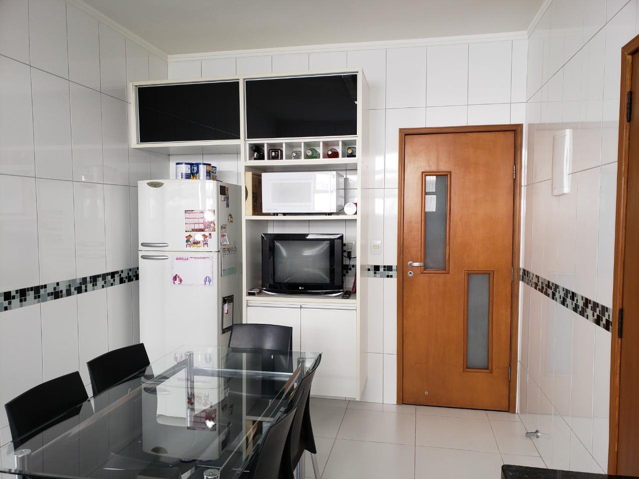 Apartamento no Bairro do Embaré , Santos , sendo 1º Andar, 3 dormitórios, 2 banheiros e garagem fechada. Todo reformado - foto 23