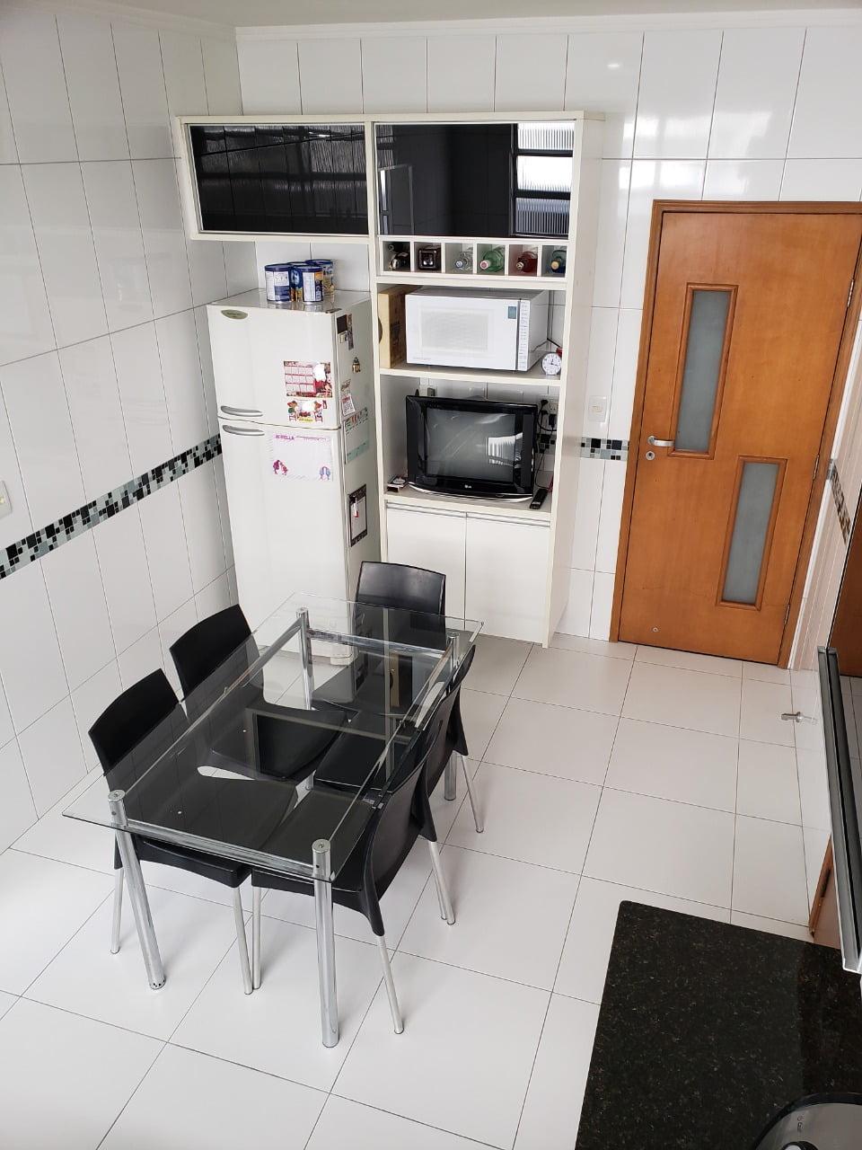 Apartamento no Bairro do Embaré , Santos , sendo 1º Andar, 3 dormitórios, 2 banheiros e garagem fechada. Todo reformado - foto 12