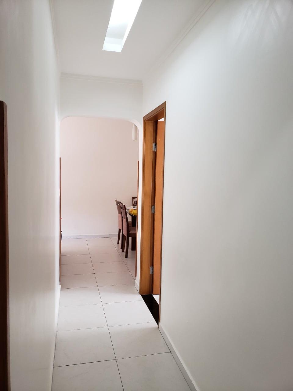 Apartamento no Bairro do Embaré , Santos , sendo 1º Andar, 3 dormitórios, 2 banheiros e garagem fechada. Todo reformado - foto 4