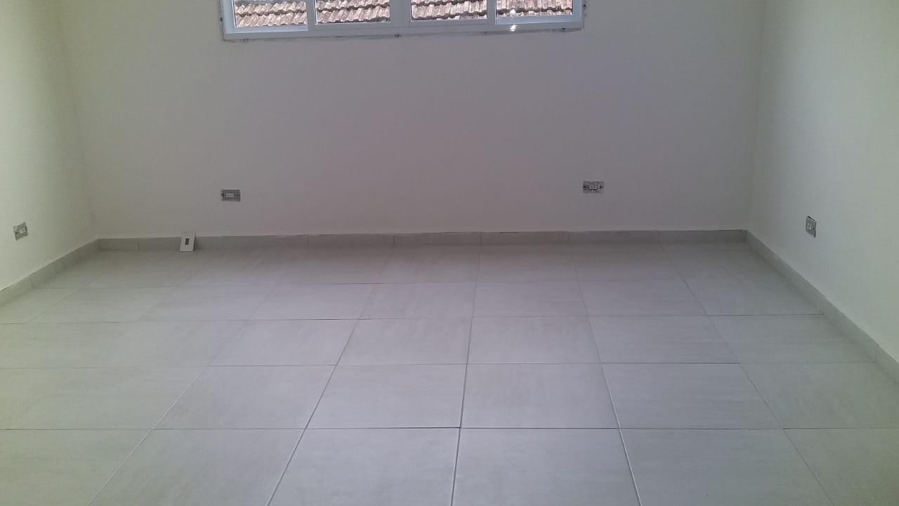 Belo  Sobrado novo possuem 2 dormitórios suítes com uma ampla garagem fechada e um quintal individual. - foto 41