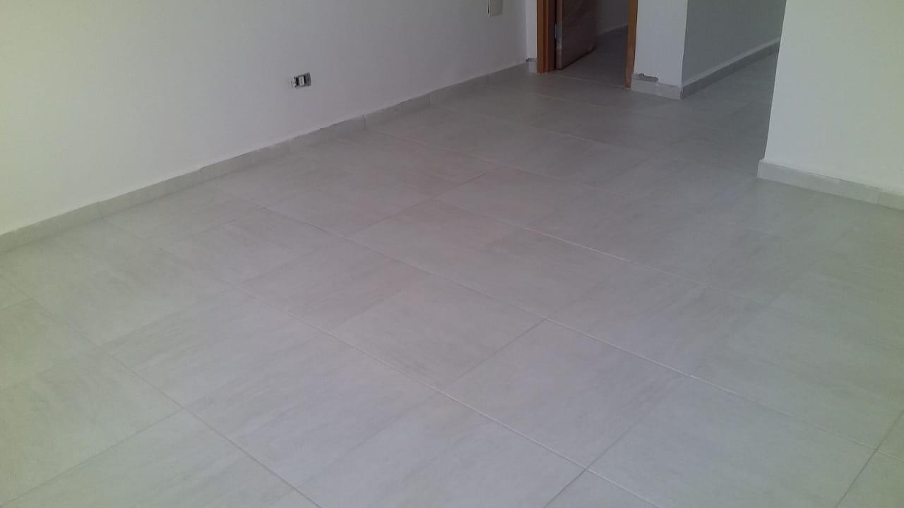Belo  Sobrado novo possuem 2 dormitórios suítes com uma ampla garagem fechada e um quintal individual. - foto 42