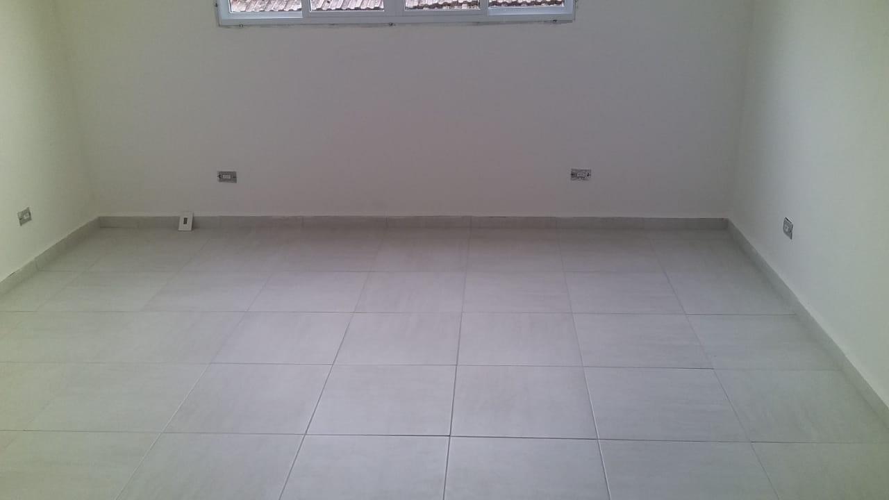 Belo  Sobrado novo possuem 2 dormitórios suítes com uma ampla garagem fechada e um quintal individual. - foto 43
