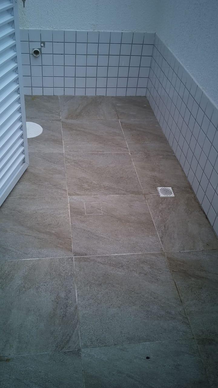 Belo  Sobrado novo possuem 2 dormitórios suítes com uma ampla garagem fechada e um quintal individual. - foto 46