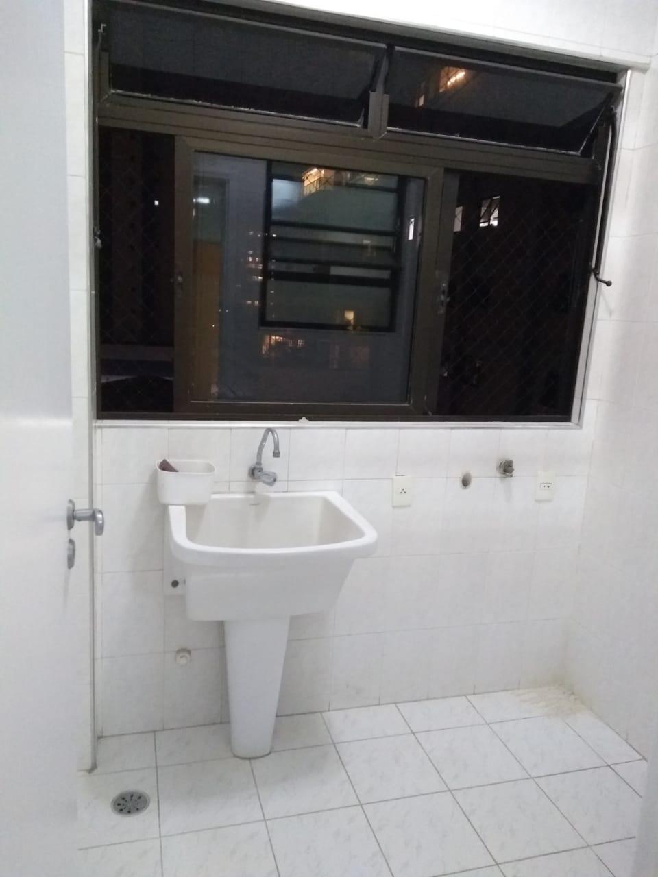 Embaré apartamento 2 dormitórios com suite  Próximo à praia. Excelente localização - foto 3