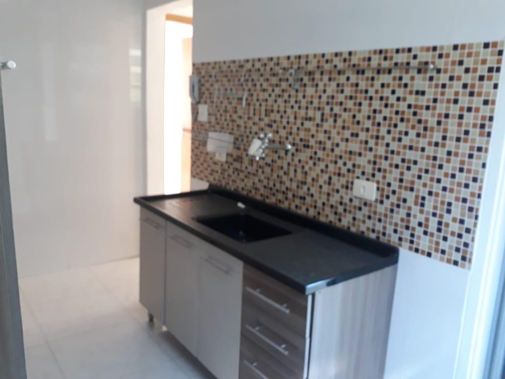 Apartamento em Santos reformado 2 dormitórios 1 vaga de garagem. - foto 11