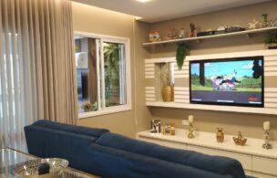 Embaré amplo apartamento com 3 dormitórios, sendo uma suite , ótima sala para 2 ambientes com varanda gourmet
