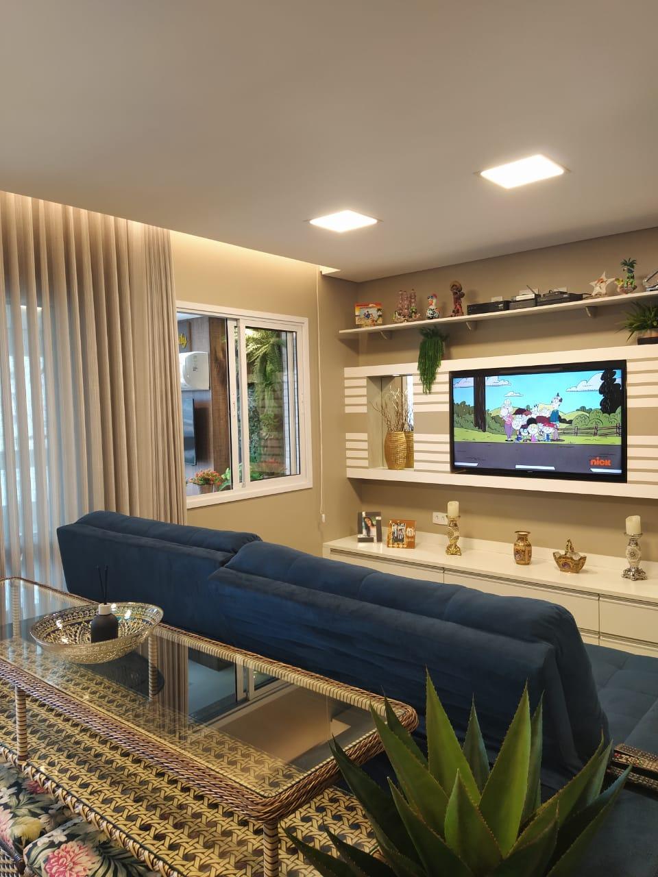 Embaré amplo apartamento com 3 dormitórios, sendo uma suite , ótima sala para 2 ambientes com varanda gourmet - foto 10