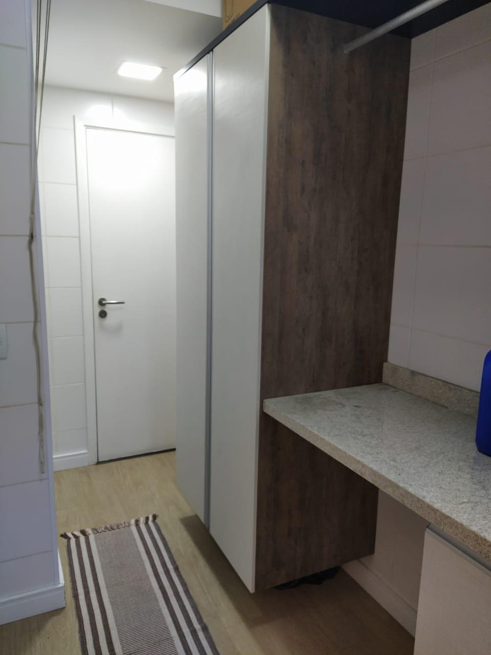 Embaré amplo apartamento com 3 dormitórios, sendo uma suite , ótima sala para 2 ambientes com varanda gourmet - foto 12