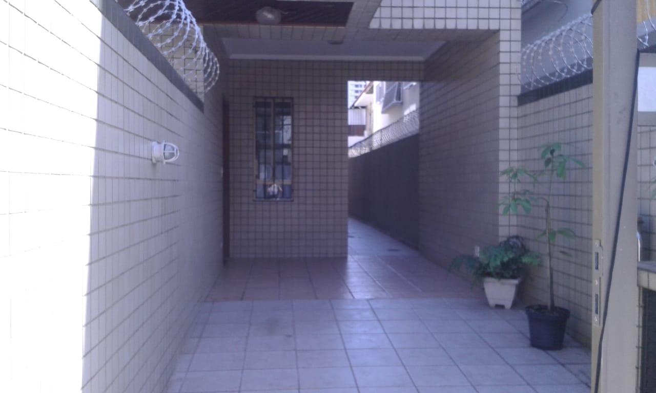 Vendo sobreposta  3 dormitórios com 2 suítes , térrea ensolarada no Embaré entre o canal 4 e canal 5 - foto 37