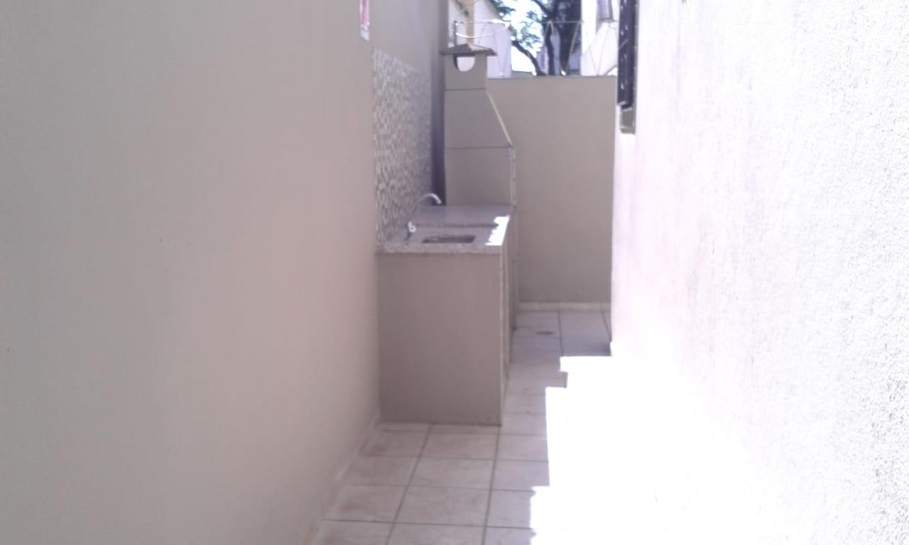 Vendo sobreposta  3 dormitórios com 2 suítes , térrea ensolarada no Embaré entre o canal 4 e canal 5 - foto 2
