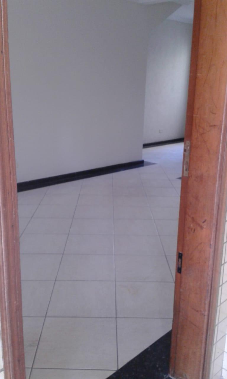 Vendo sobreposta  3 dormitórios com 2 suítes , térrea ensolarada no Embaré entre o canal 4 e canal 5 - foto 18
