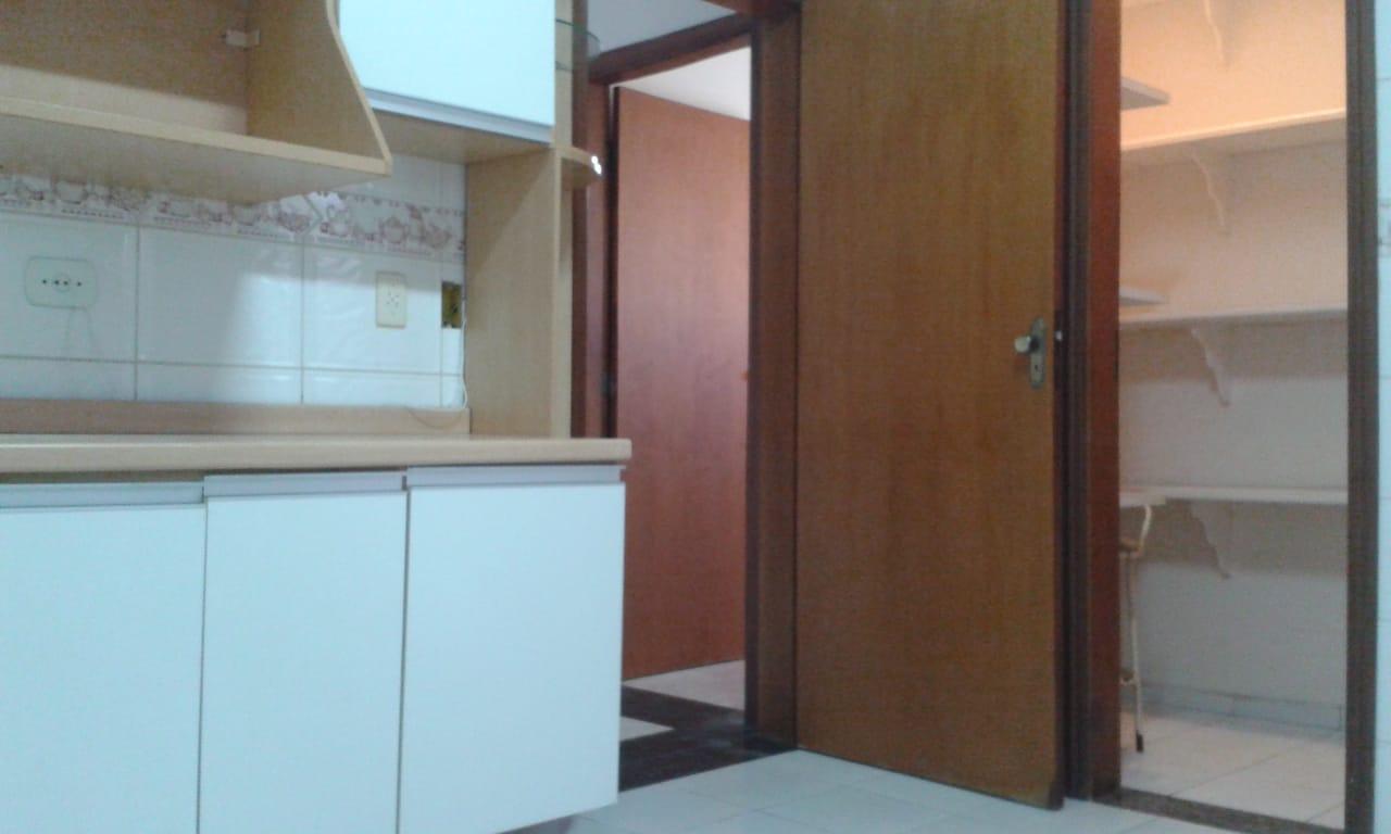 Vendo sobreposta  3 dormitórios com 2 suítes , térrea ensolarada no Embaré entre o canal 4 e canal 5 - foto 12