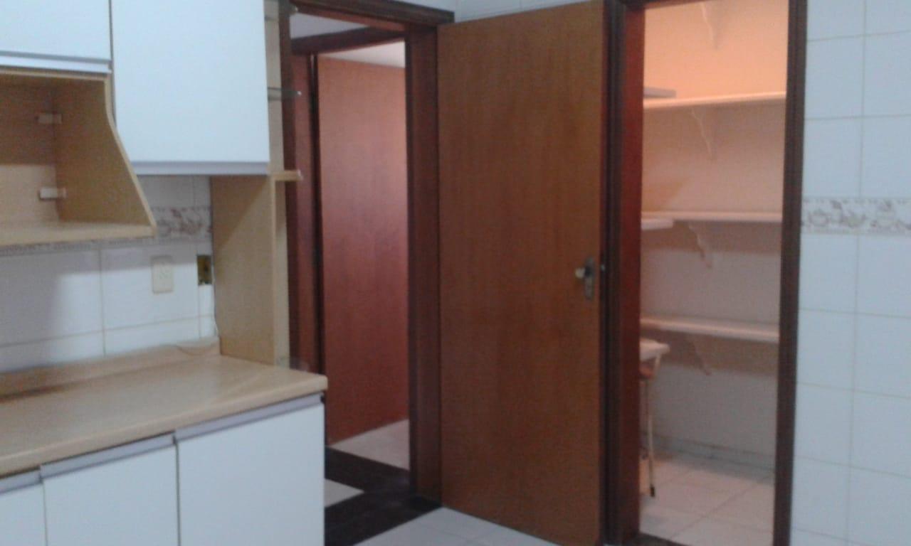 Vendo sobreposta  3 dormitórios com 2 suítes , térrea ensolarada no Embaré entre o canal 4 e canal 5 - foto 11