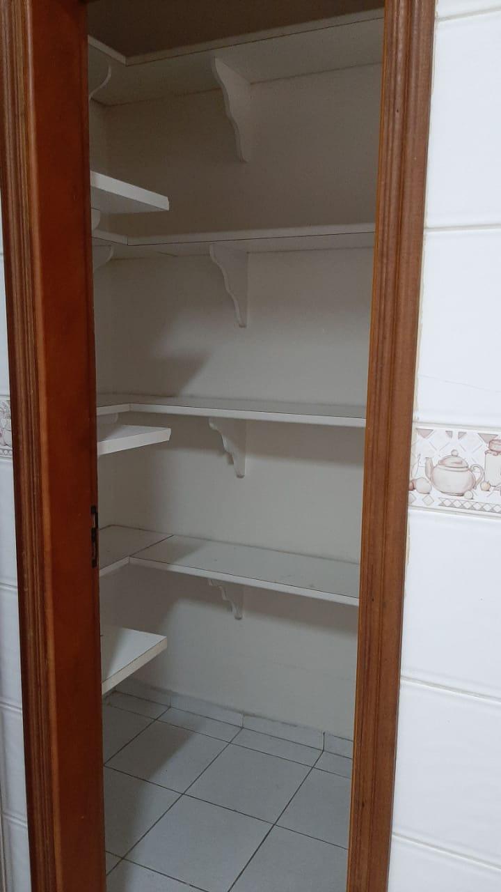 Vendo sobreposta  3 dormitórios com 2 suítes , térrea ensolarada no Embaré entre o canal 4 e canal 5 - foto 8