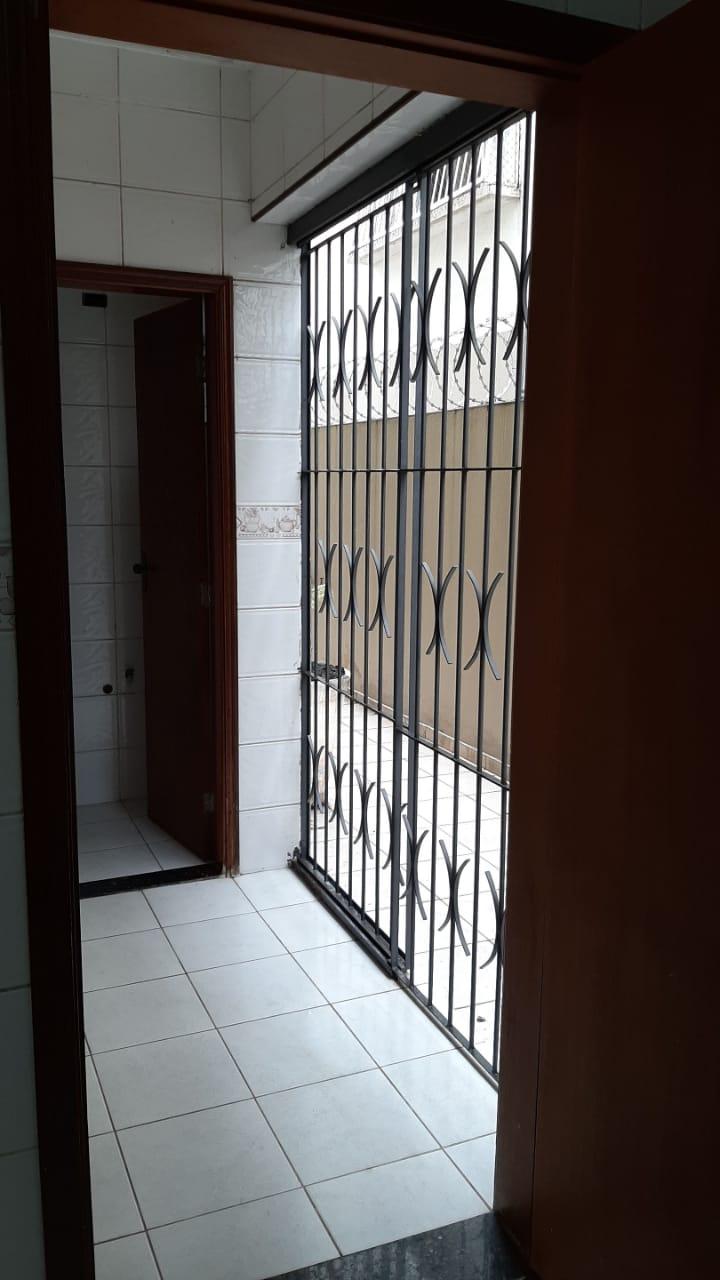 Vendo sobreposta  3 dormitórios com 2 suítes , térrea ensolarada no Embaré entre o canal 4 e canal 5 - foto 9