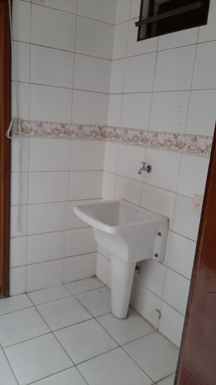 Vendo sobreposta  3 dormitórios com 2 suítes , térrea ensolarada no Embaré entre o canal 4 e canal 5 - foto 6