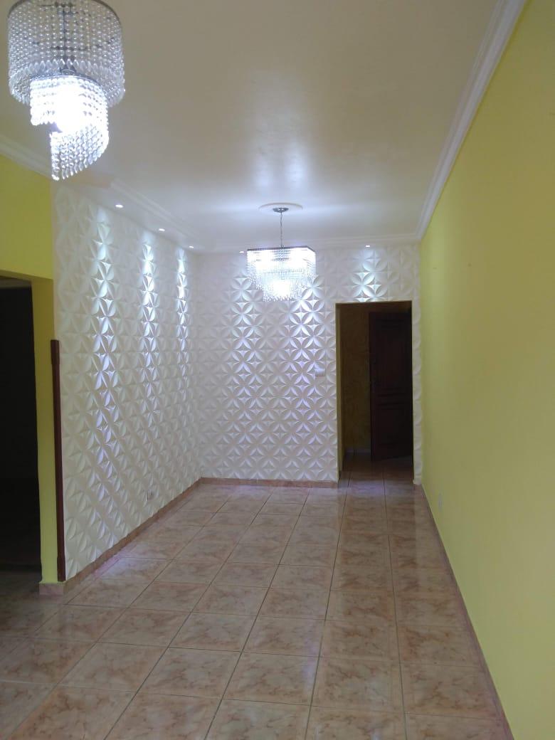 Vendo marapé apartamento 2 dormitórios  muito bem acabado com decoração em gesso 3 D na sala de dois ambientes - foto 11