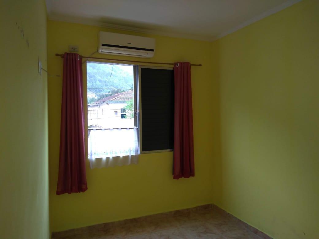 Vendo marapé apartamento 2 dormitórios  muito bem acabado com decoração em gesso 3 D na sala de dois ambientes - foto 10