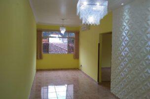Vendo marapé apartamento 2 dormitórios  muito bem acabado com decoração em gesso 3 D na sala de dois ambientes