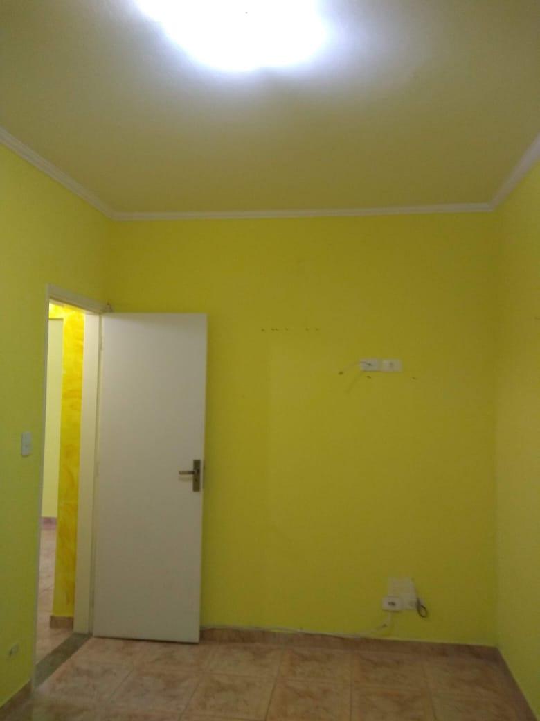 Vendo marapé apartamento 2 dormitórios  muito bem acabado com decoração em gesso 3 D na sala de dois ambientes - foto 3