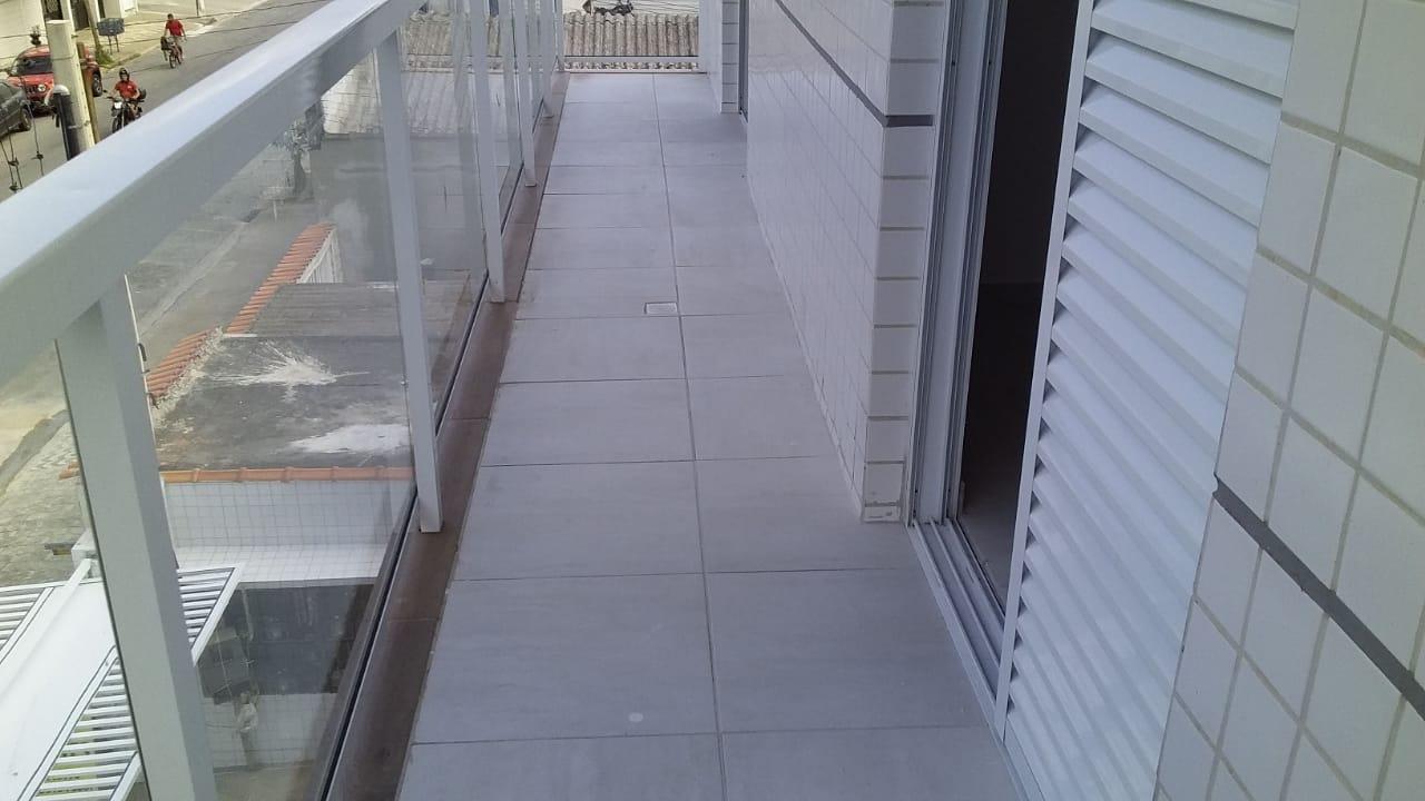 Lindo Sobrado novo entre canal 4 e canal 5sendo 2 Suites com ampla varanda e garagem fechada com amplo quintal . - foto 40