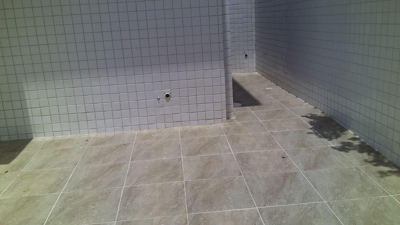 Lindo Sobrado novo entre canal 4 e canal 5sendo 2 Suites com ampla varanda e garagem fechada com amplo quintal . - foto 38