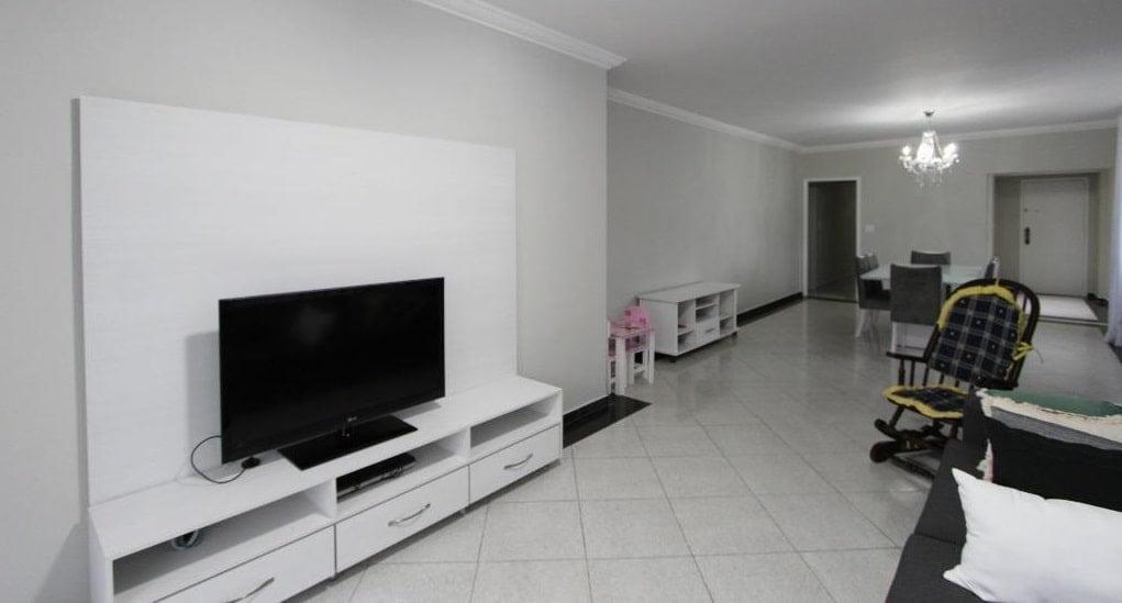 Apartamento amplo 4 dormitórios sendo 2 suítes Gonzaga, Santos, S.P - foto 2