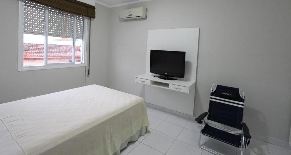Apartamento amplo 4 dormitórios sendo 2 suítes Gonzaga, Santos, S.P - foto 6