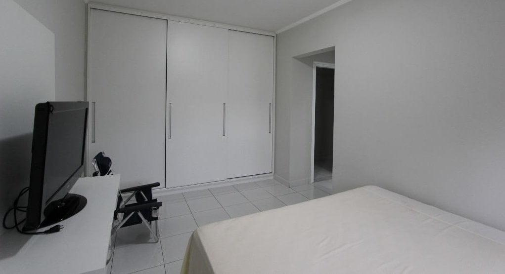 Apartamento amplo 4 dormitórios sendo 2 suítes Gonzaga, Santos, S.P - foto 7
