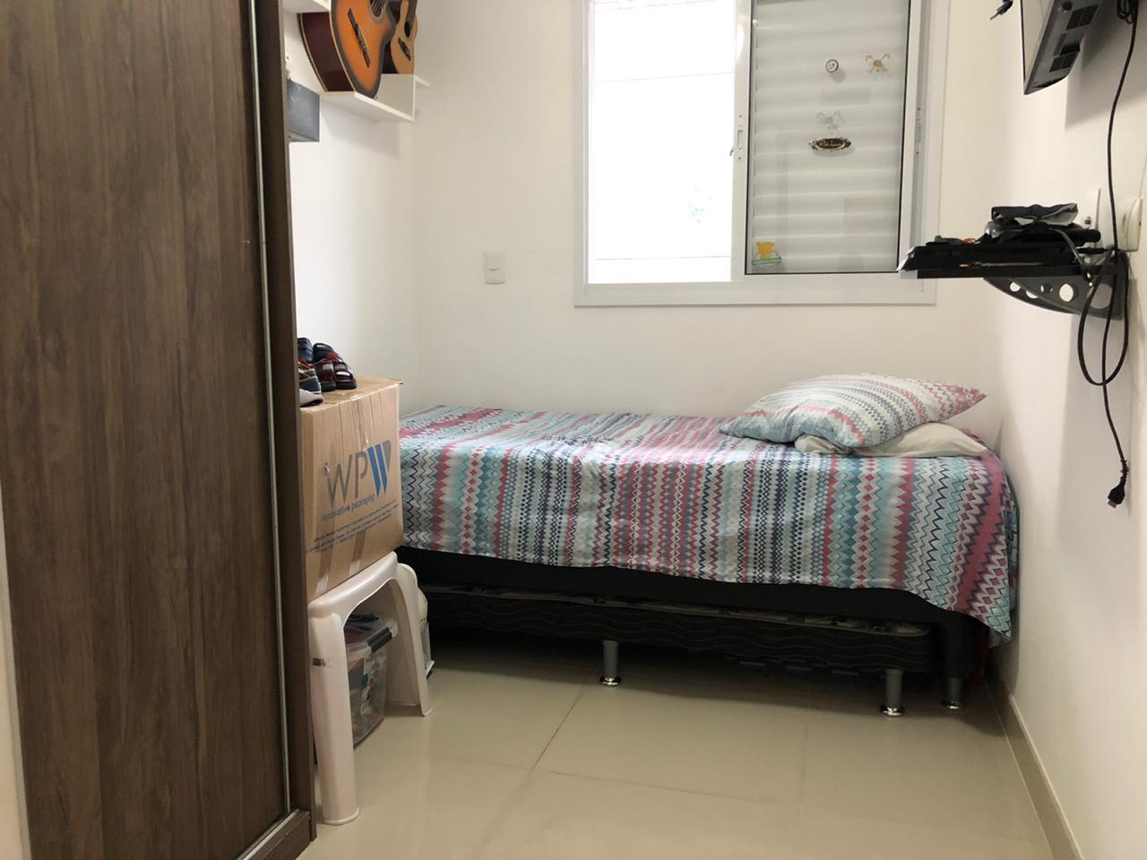 Seminovo apartamento de 2 dormitórios com pisos em porcelanato, sala 2 ambientes - foto 10