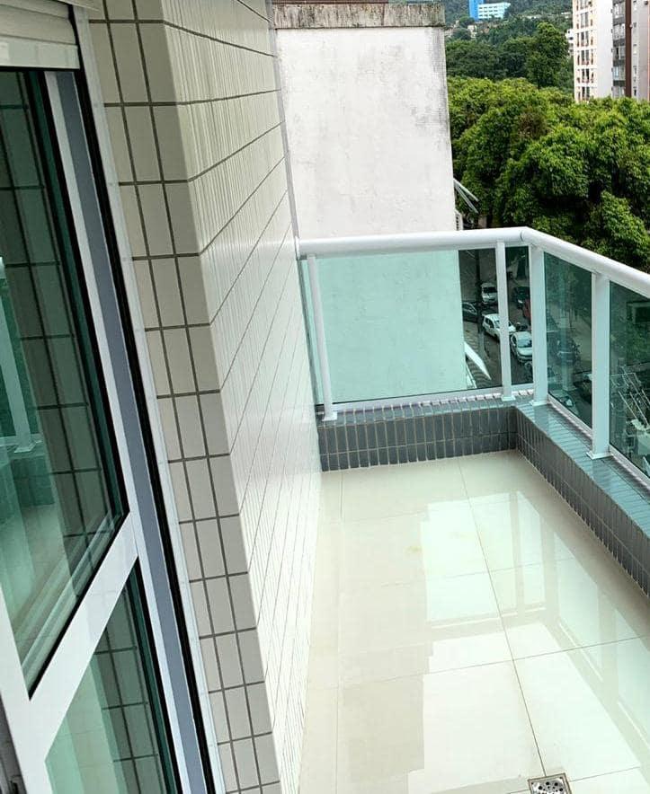 Excelente semi novo apartamento com 160m, uma quadra da Praia, Duas vagas de garagem, 3 suítes - foto 25