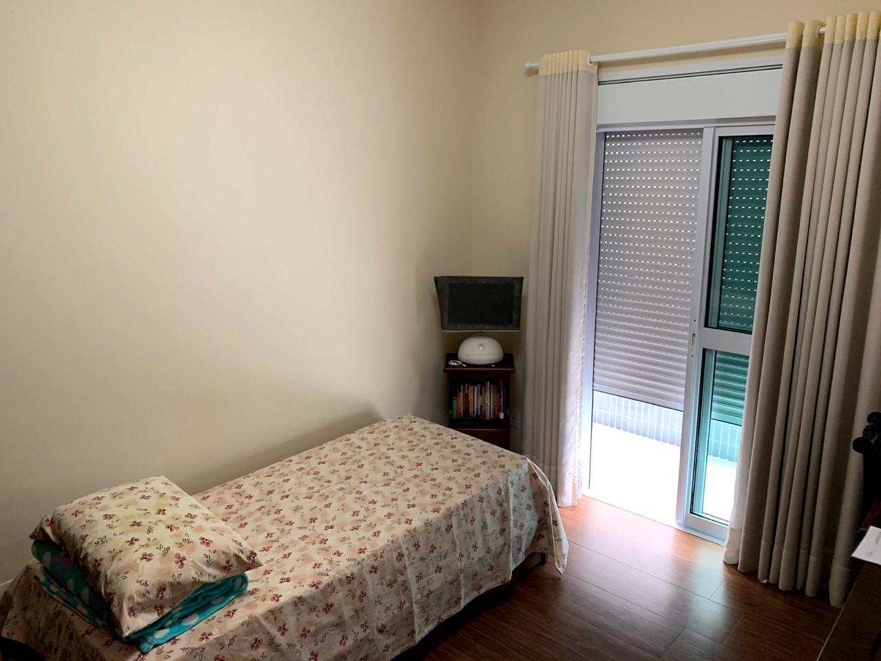 Excelente semi novo apartamento com 160m, uma quadra da Praia, Duas vagas de garagem, 3 suítes - foto 17