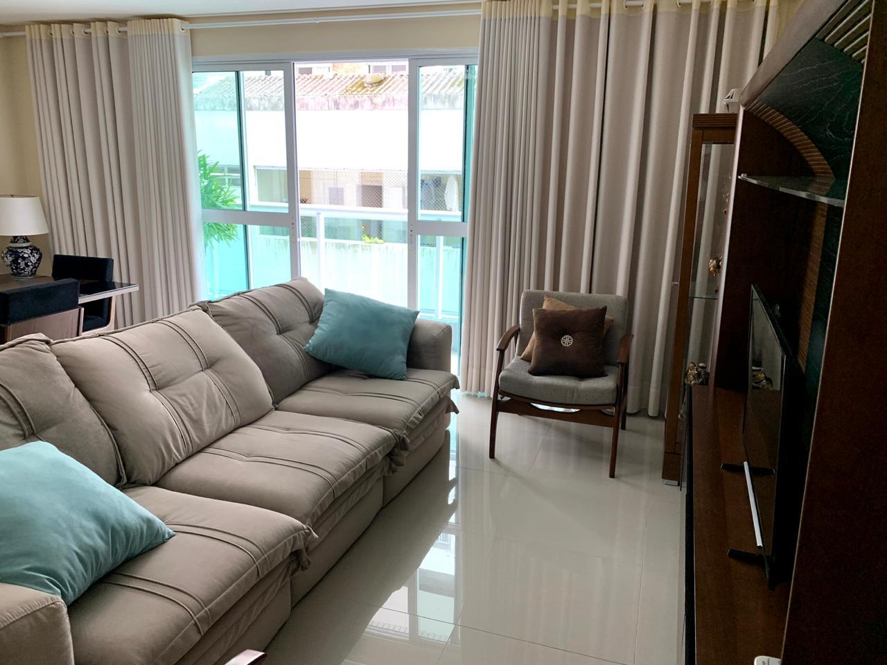 Excelente semi novo apartamento com 160m, uma quadra da Praia, Duas vagas de garagem, 3 suítes - foto 18