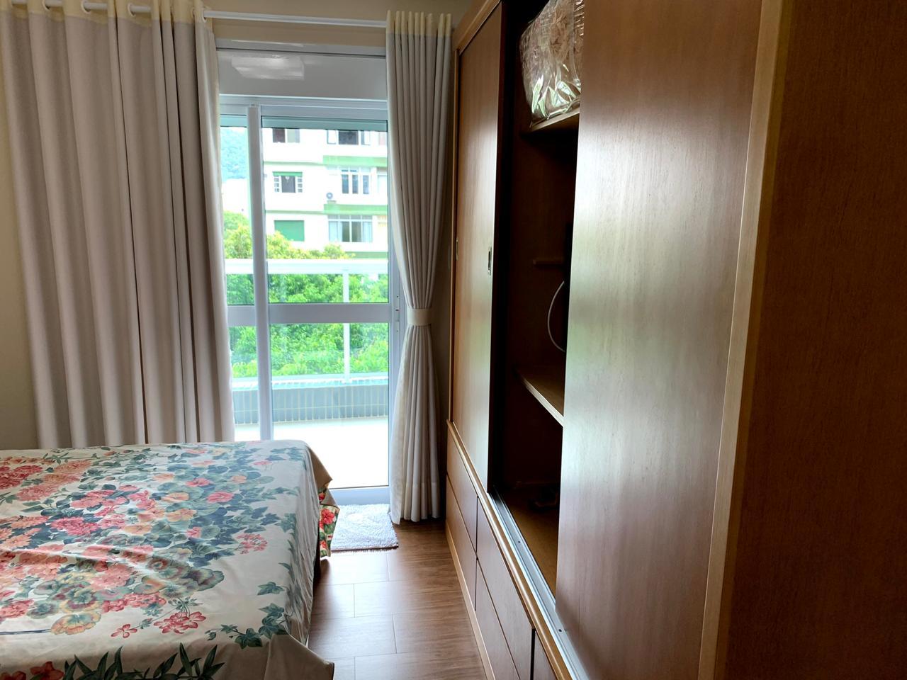 Excelente semi novo apartamento com 160m, uma quadra da Praia, Duas vagas de garagem, 3 suítes - foto 16