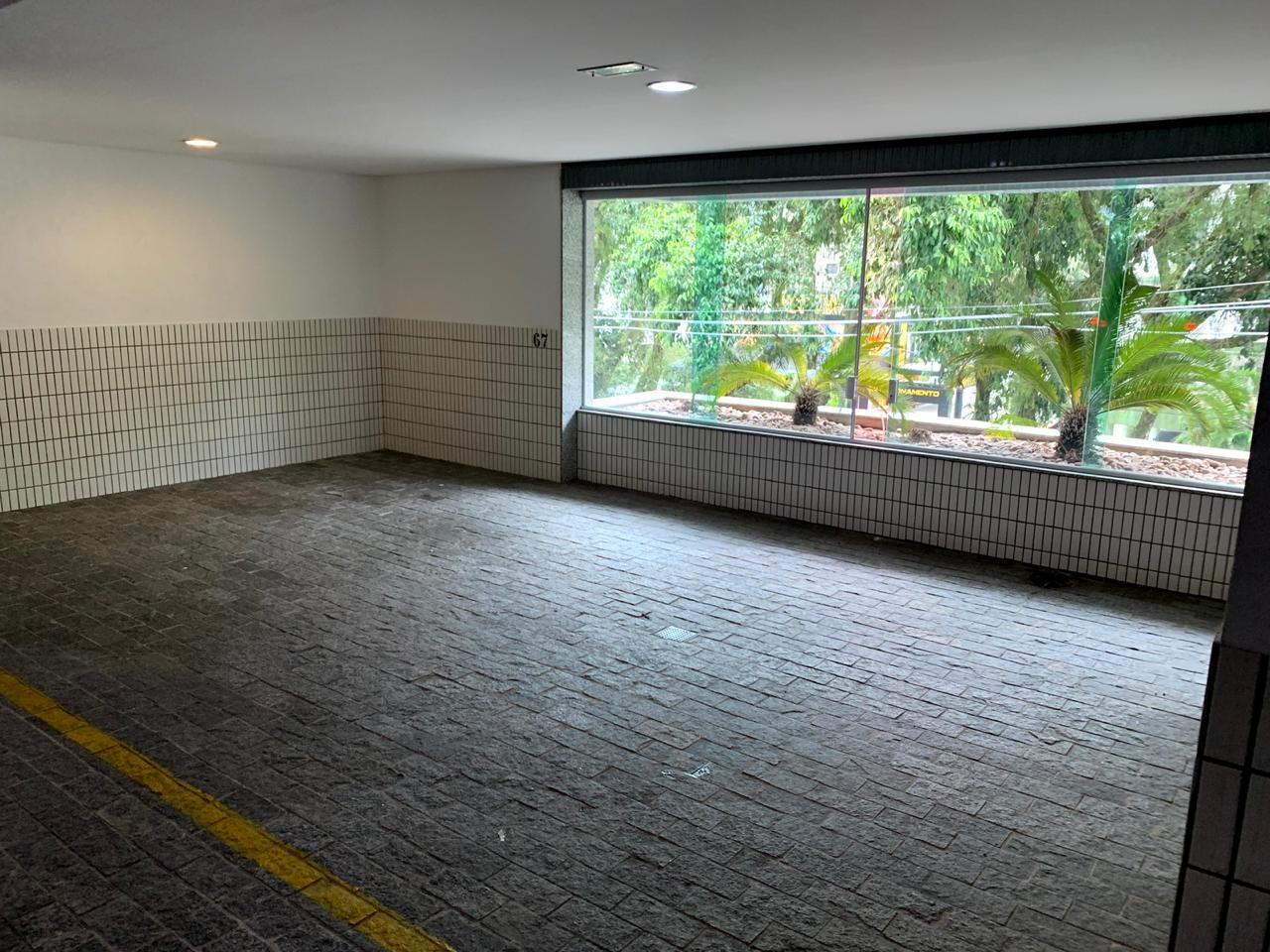 Excelente semi novo apartamento com 160m, uma quadra da Praia, Duas vagas de garagem, 3 suítes - foto 13