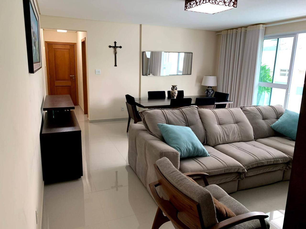 Excelente semi novo apartamento com 160m, uma quadra da Praia, Duas vagas de garagem, 3 suítes - foto 9