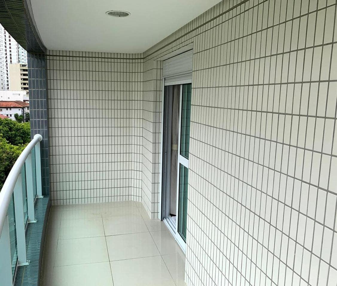 Excelente semi novo apartamento com 160m, uma quadra da Praia, Duas vagas de garagem, 3 suítes - foto 22