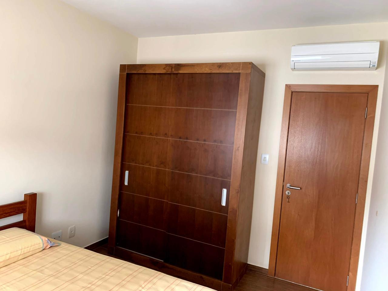 Excelente semi novo apartamento com 160m, uma quadra da Praia, Duas vagas de garagem, 3 suítes - foto 8