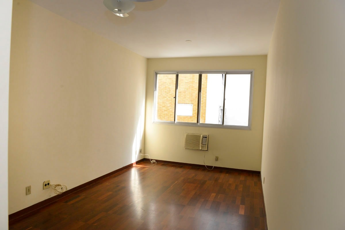 Amplo apartamento Boqueirão ( canal 4) de 1 dormitório com uma área interna de 61,m². - foto 24