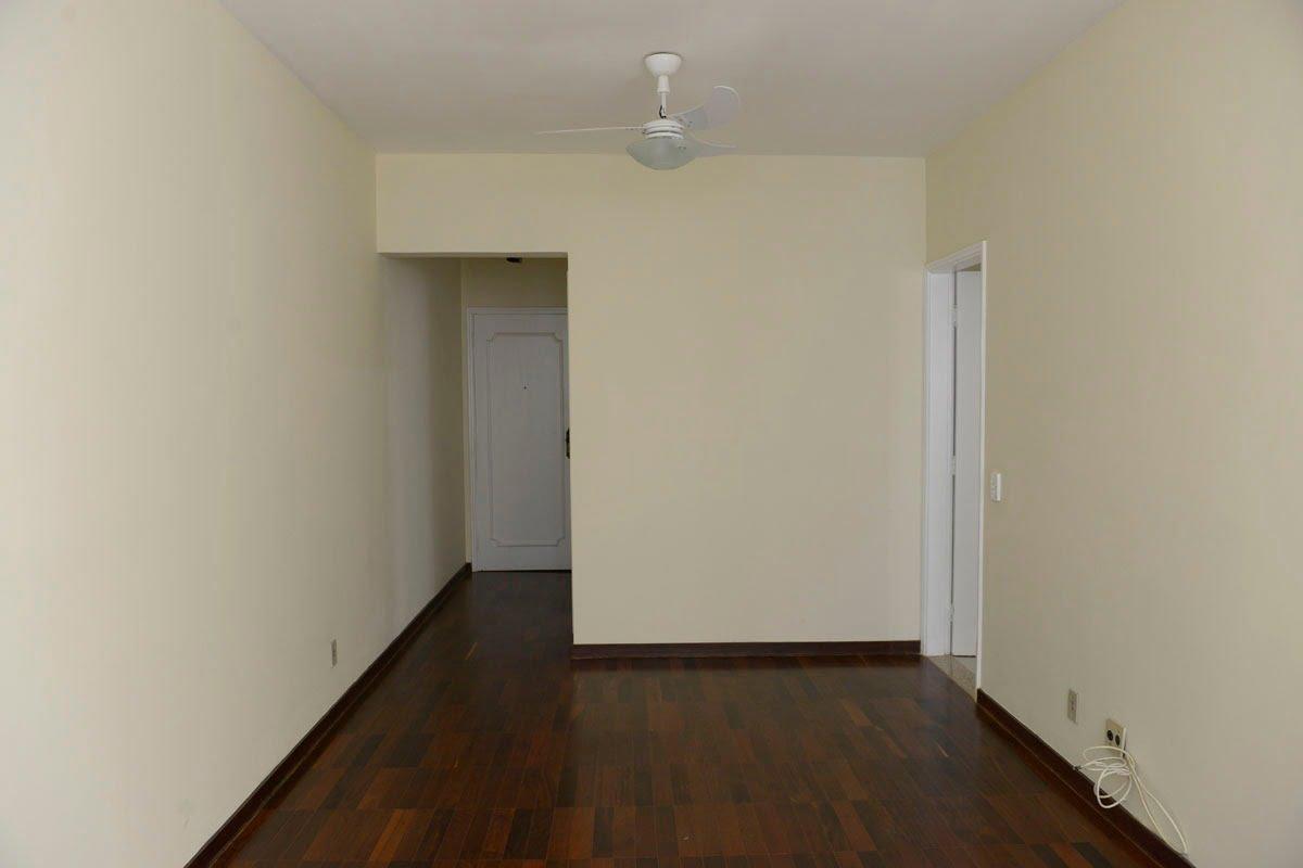 Amplo apartamento Boqueirão ( canal 4) de 1 dormitório com uma área interna de 61,m². - foto 22