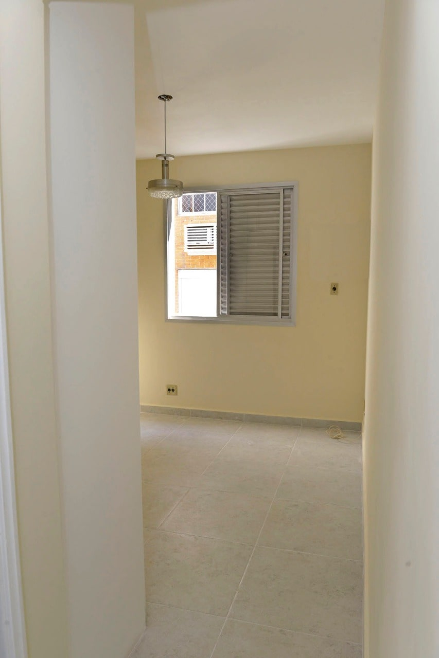 Amplo apartamento Boqueirão ( canal 4) de 1 dormitório com uma área interna de 61,m². - foto 18
