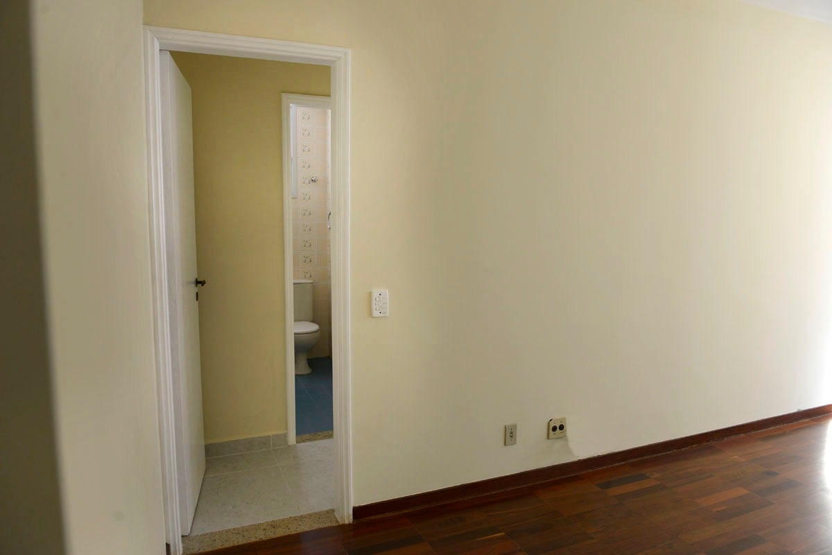 Amplo apartamento Boqueirão ( canal 4) de 1 dormitório com uma área interna de 61,m². - foto 17