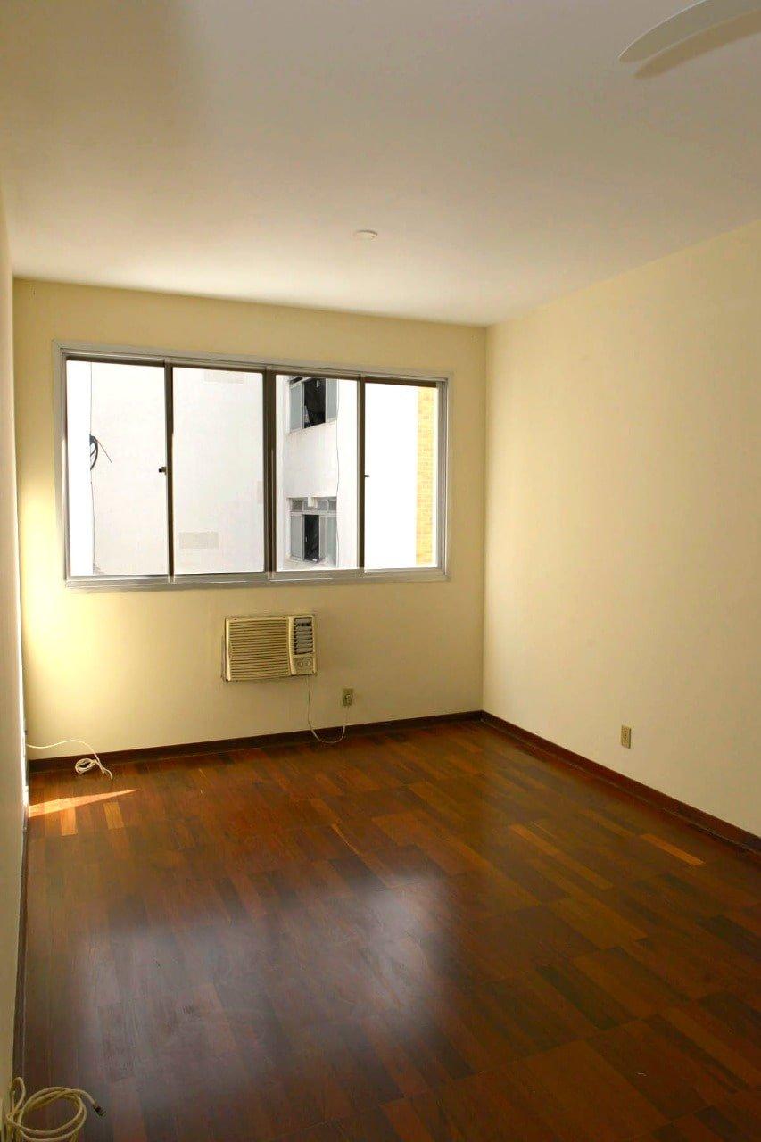 Amplo apartamento Boqueirão ( canal 4) de 1 dormitório com uma área interna de 61,m². - foto 15